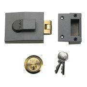 Yale Locks 81 Rollerbolt Nightlatch 60mm Backset DMG Finish Box